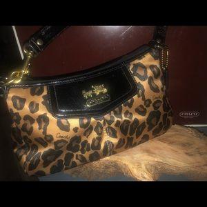 NWOT Coach leopard print mini handbag/ wristlet